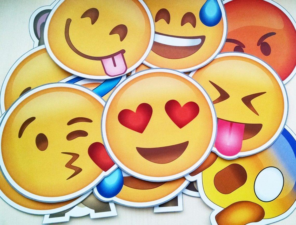 Ocho Emojis Que Todas Mejores Amigas Necesitan Entaconadas