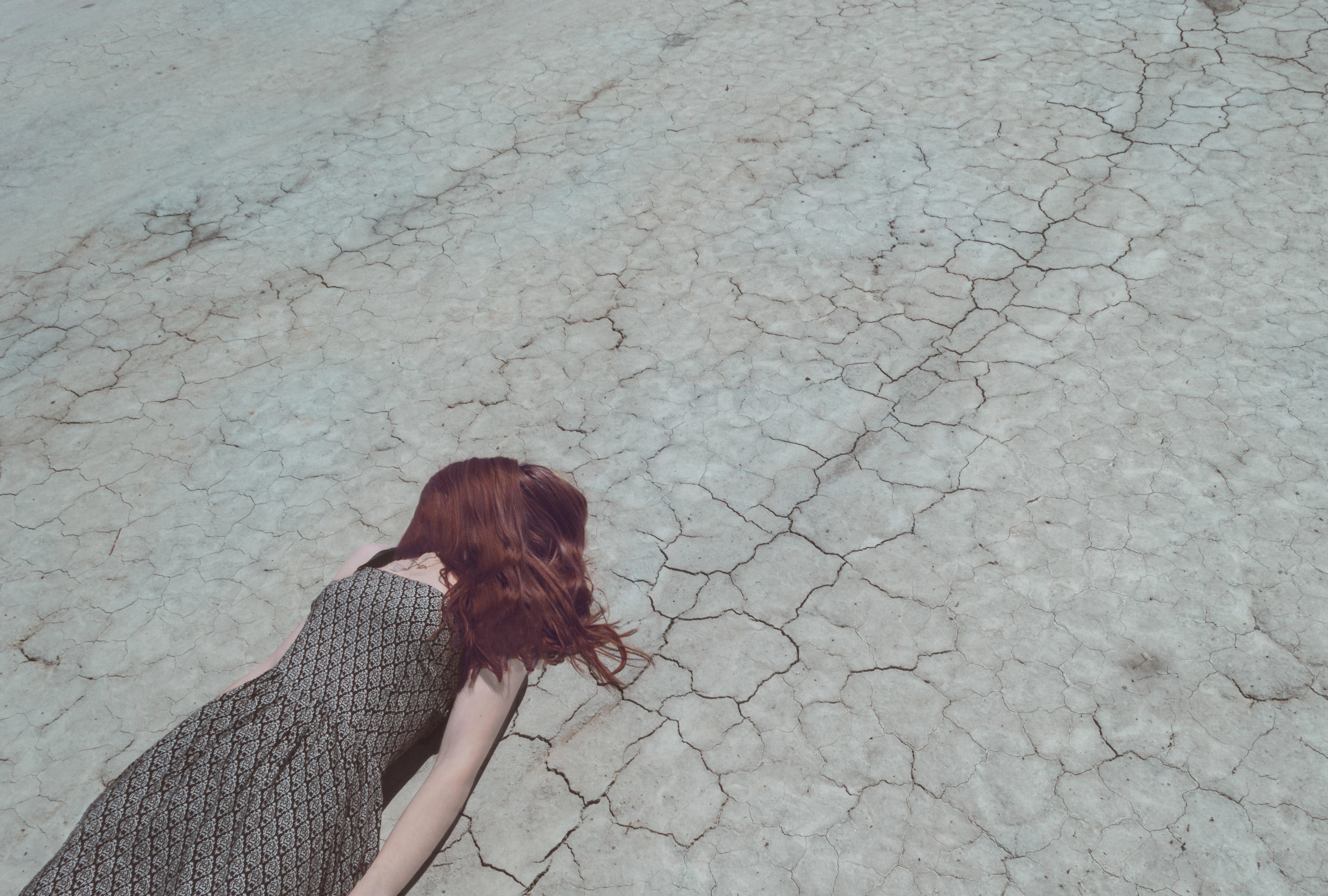 mujer cristiana desierto dios