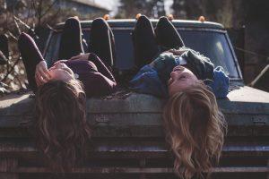 relación de hermanas