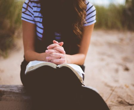 Seis tips para aprender a escuchar la voz de Dios a través de Su Palabra